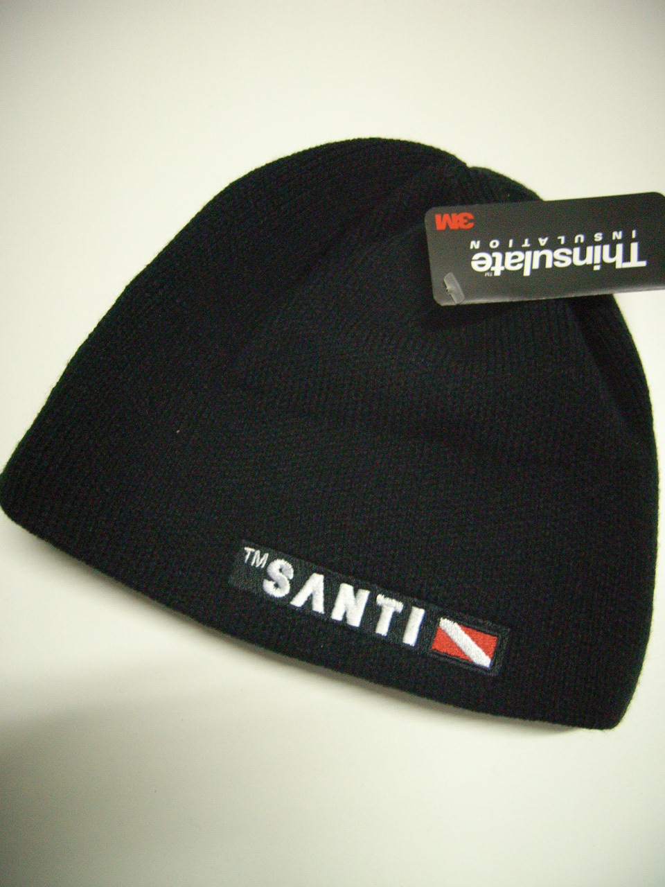 Santi Beanie Hat in schwarz oder rot