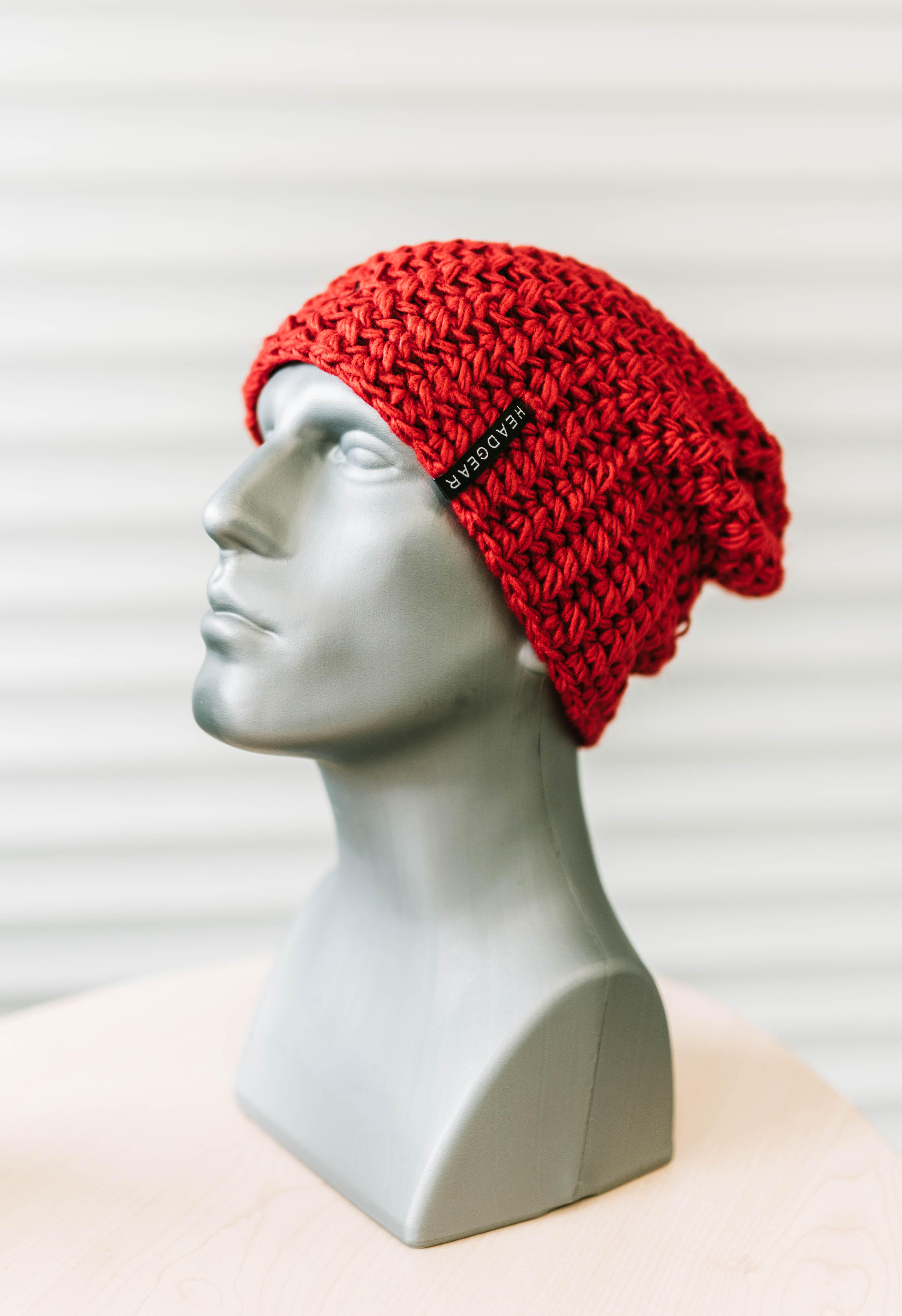 CASUAL OUTSIZE CROCHETED CAP